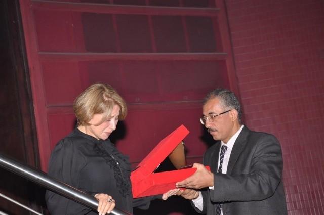صورة إنهيار بوسي في حفل تكريم نور الشريف .. شاهد الفيديو والصور