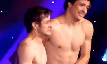 صورة شابان عاريان يرقصان في America's Got Talent
