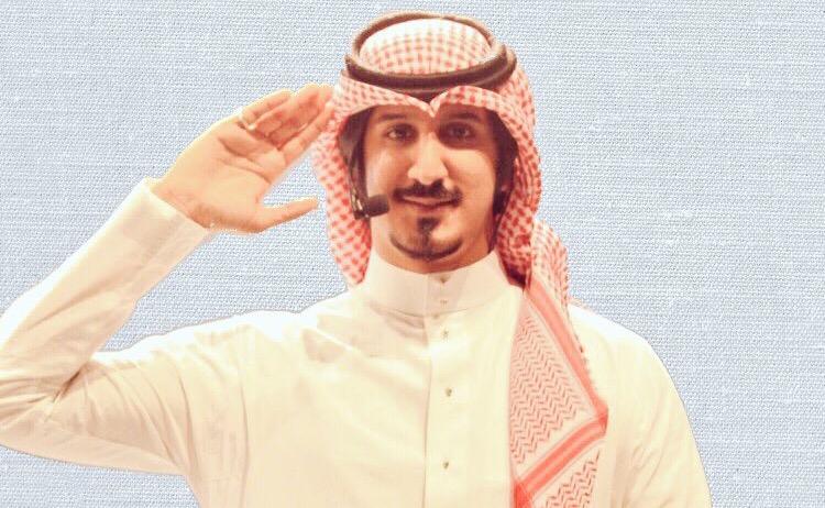 صورة عبدالله عبدالعزيز .. المطرب الذي حلق بعيداً خارج السرب