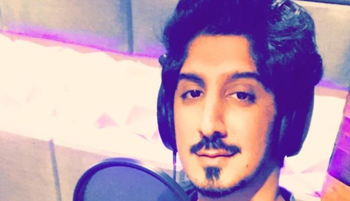 صورة #عبدالله_عبدالعزيز يسجل اغنتين #ماهزت_الدنيا و #حبك_غير .. صورة حصريه من داخل الإستديو